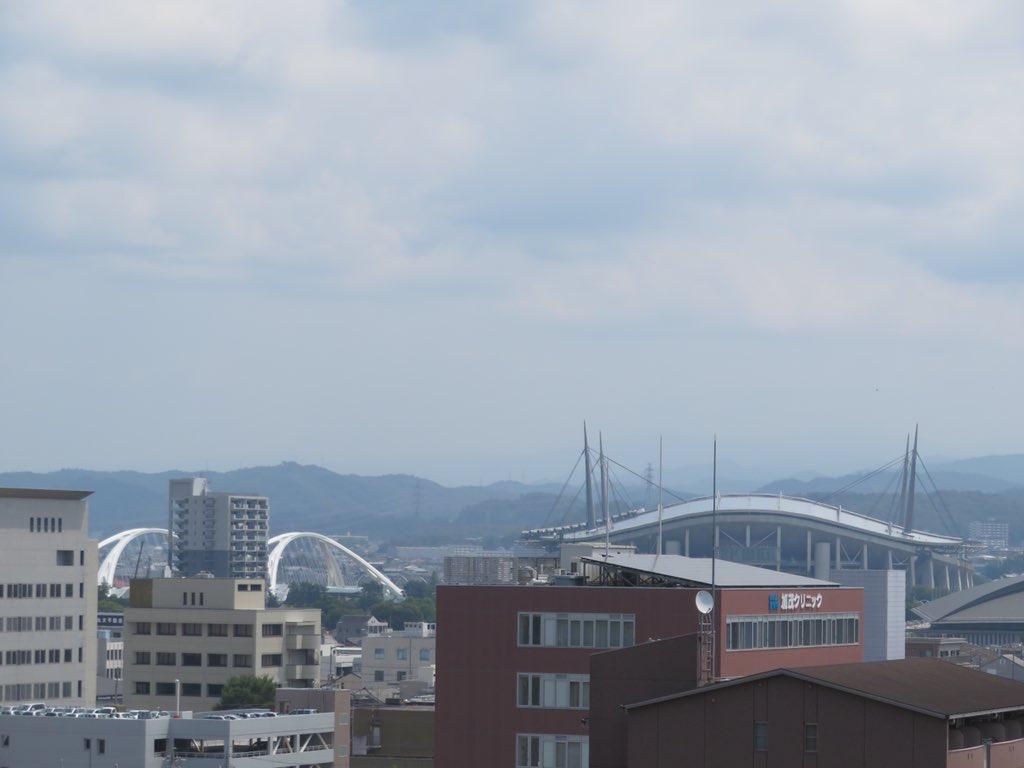 豊田市美術館から豊田スタジアムを望む.2019年ばねさん(https://twitter.com/bane_wingrampus )撮影