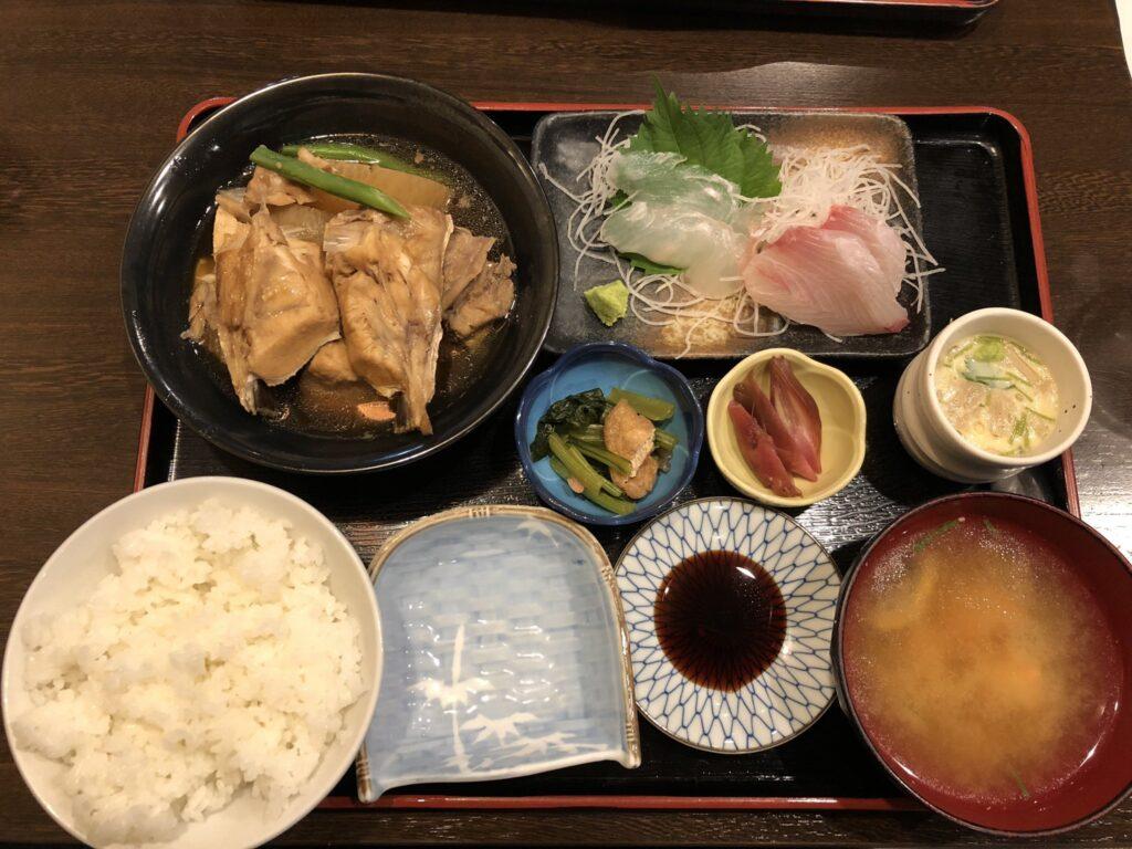 魚亥子のサービス定食